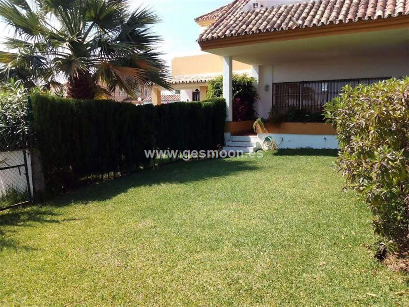 Magnifica Casa Adosada En Monte-Biarrtiz Golf (Estepona)