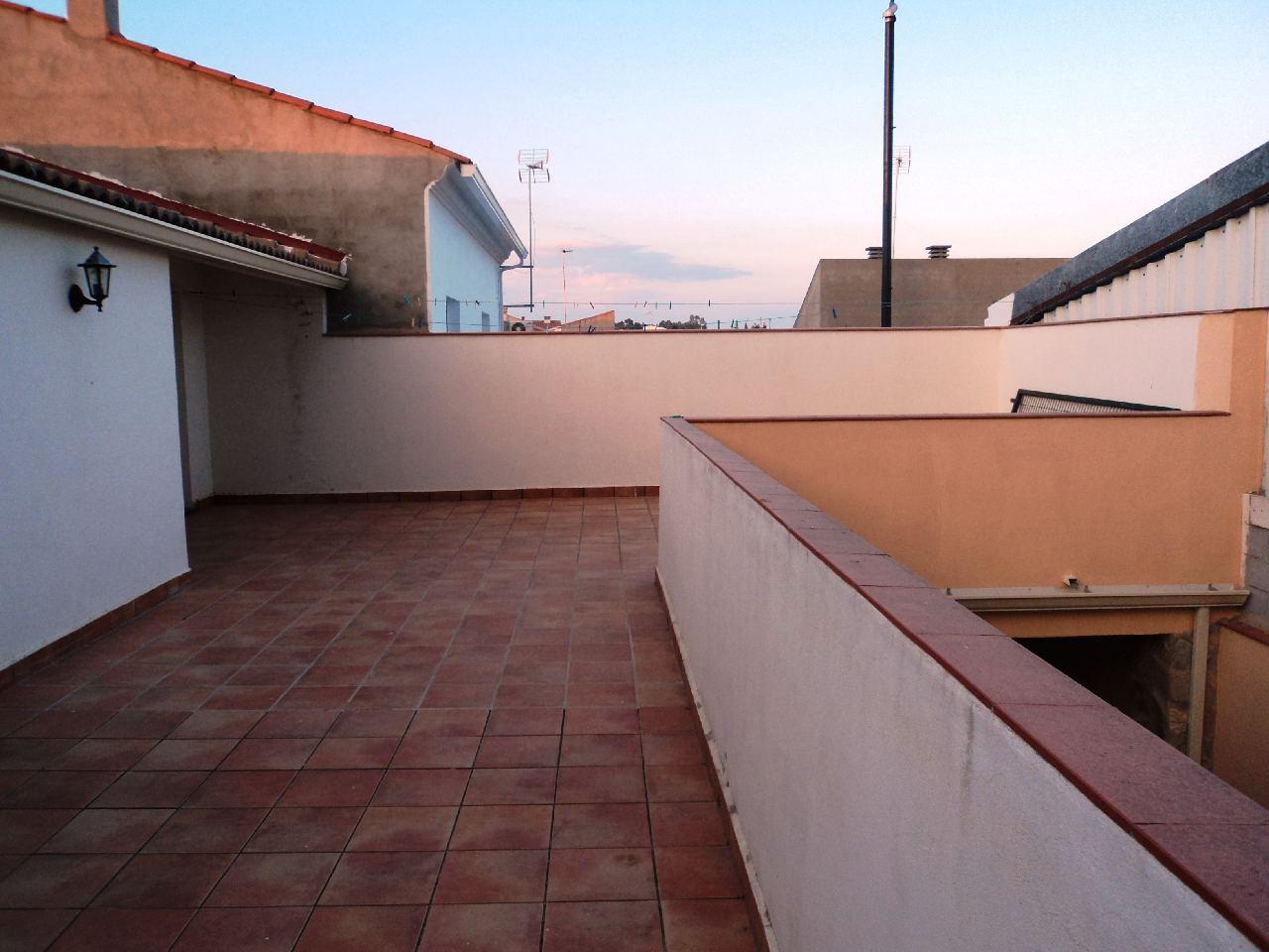 en MONTIJO, zona SOLARES DE MORENO. Foto