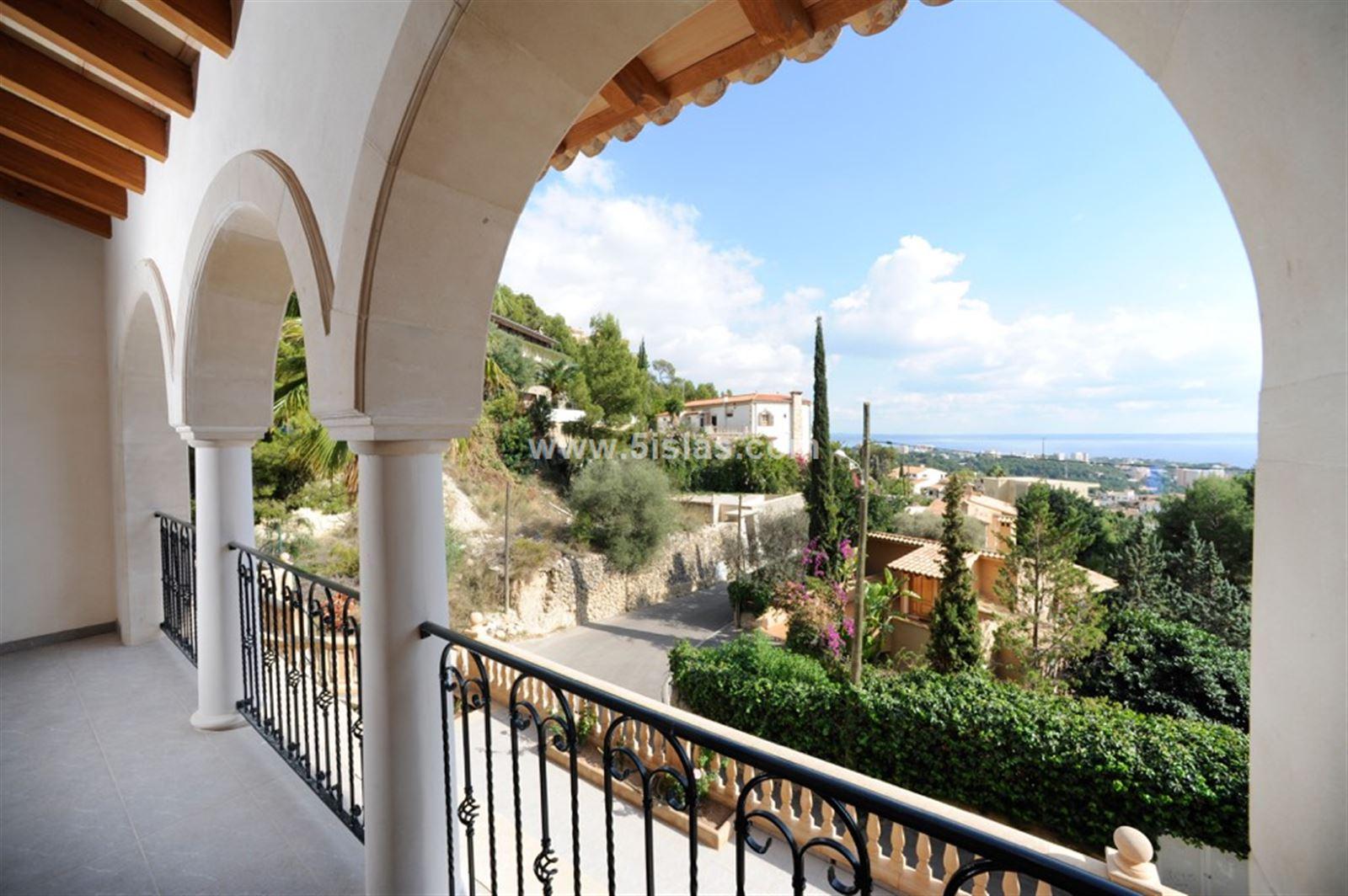 Chalet mediterráneo con vistas al mar en Genova
