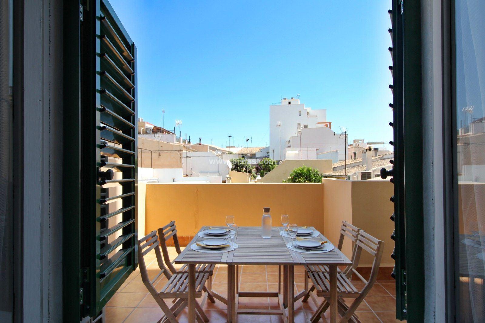 Luminoso piso con amplia terraza en Son Espanyolet