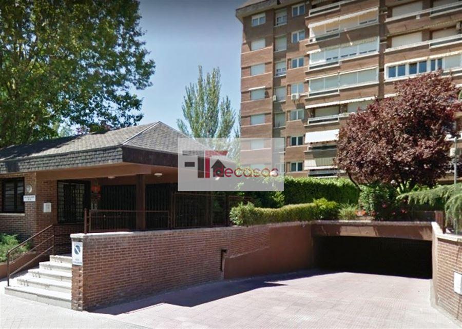 PISO en MADRID, zona LA PAZ. Foto