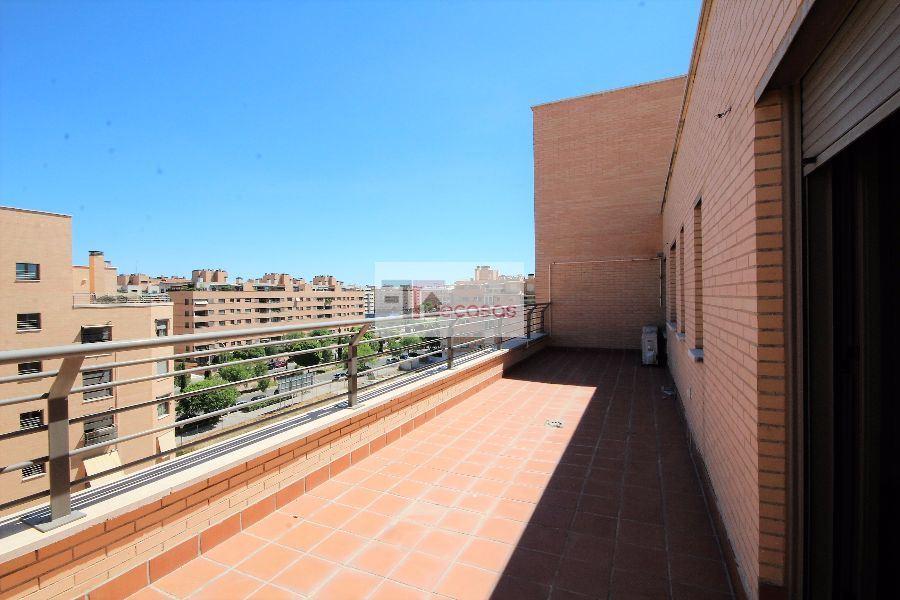 ÁTICO en MADRID, zona SAN CHINARRO. Foto