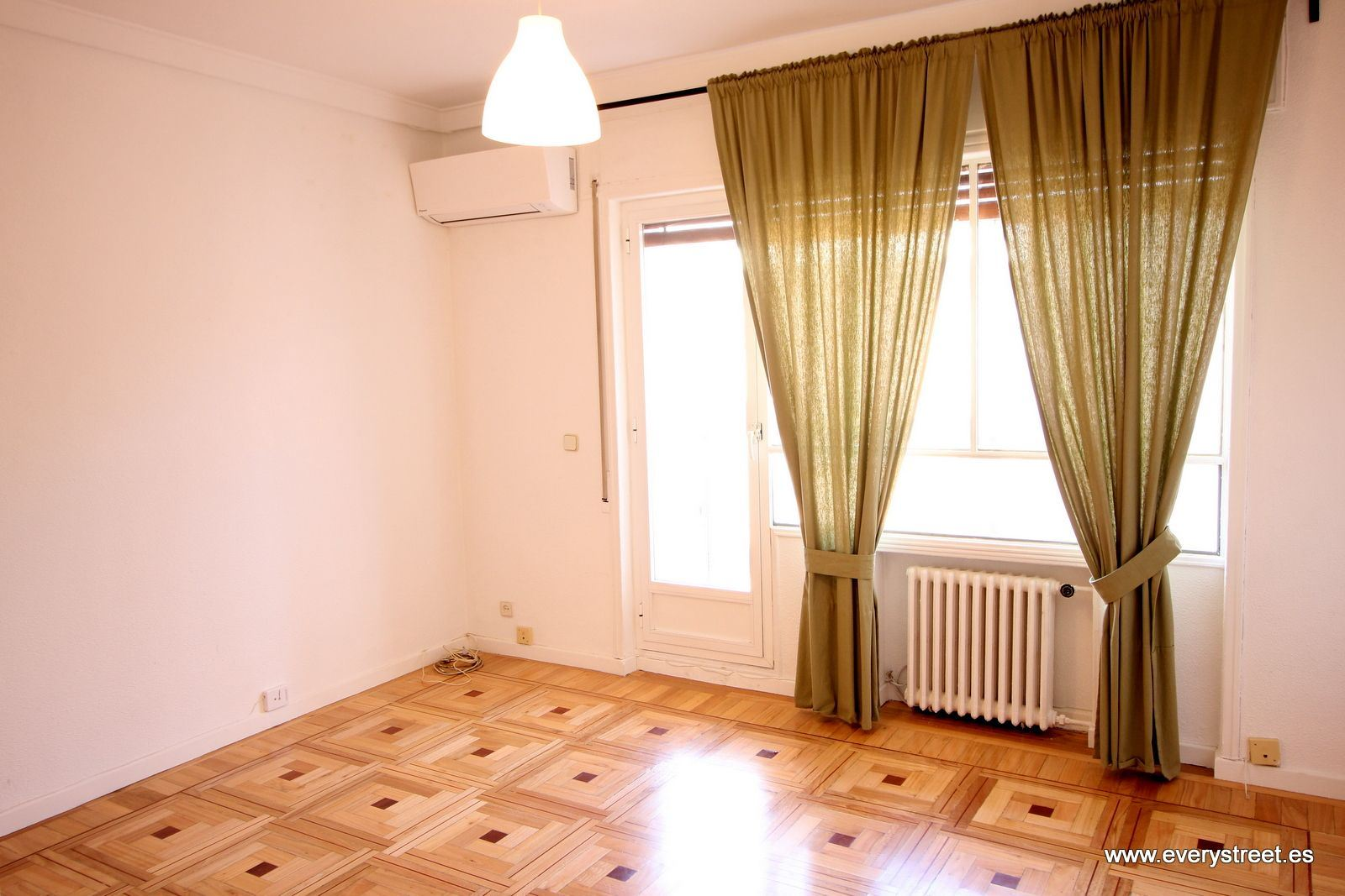 APPARTEMENT dans RECOLETOS