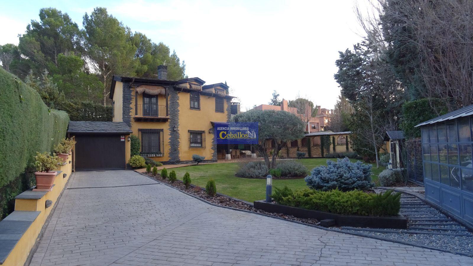 CHALET. CHILOECHES , Zona EL CLAVIN