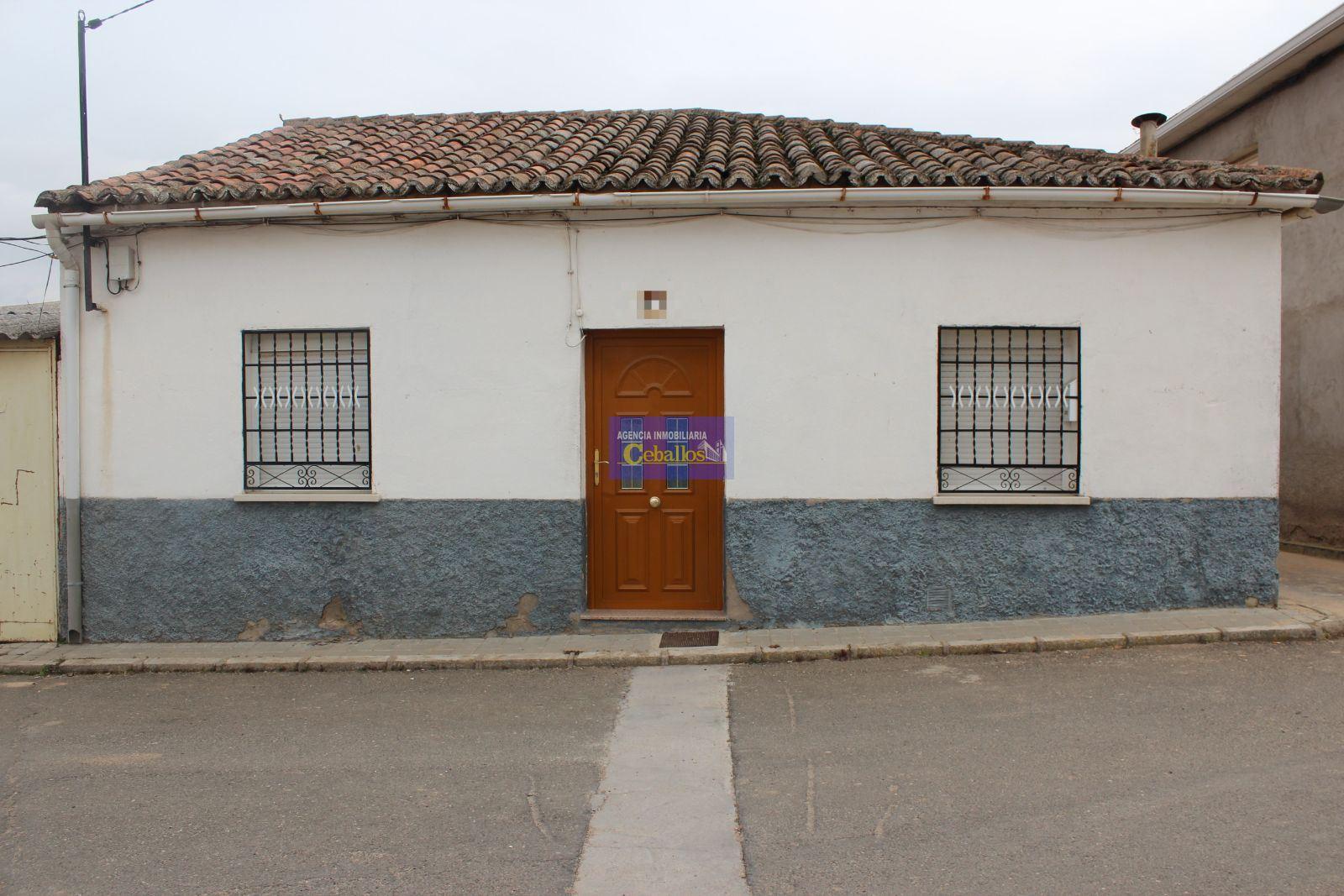 CHALET. ESPINOSA DE HENARES