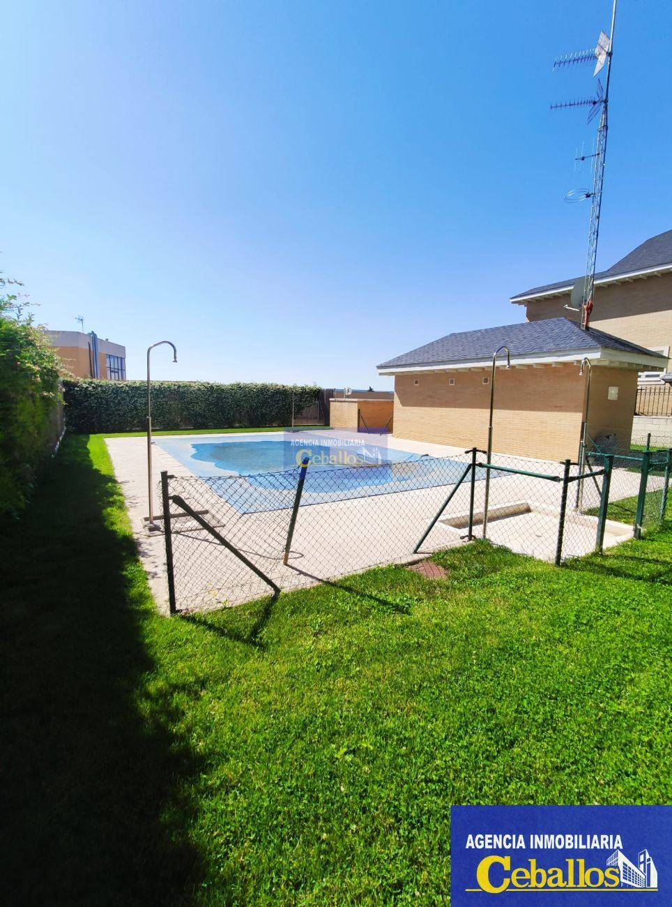 SEMI-DETACHED HOUSE in CABANILLAS DEL CAMPO