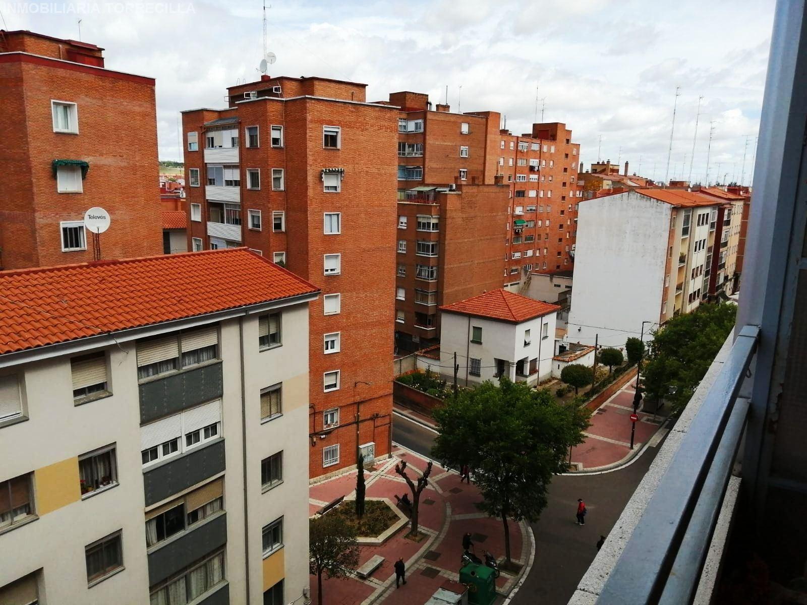 PISO. VALLADOLID , area SANTA CLARA