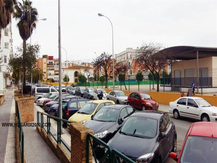 LOCAL en HUELVA,  de 90 m²