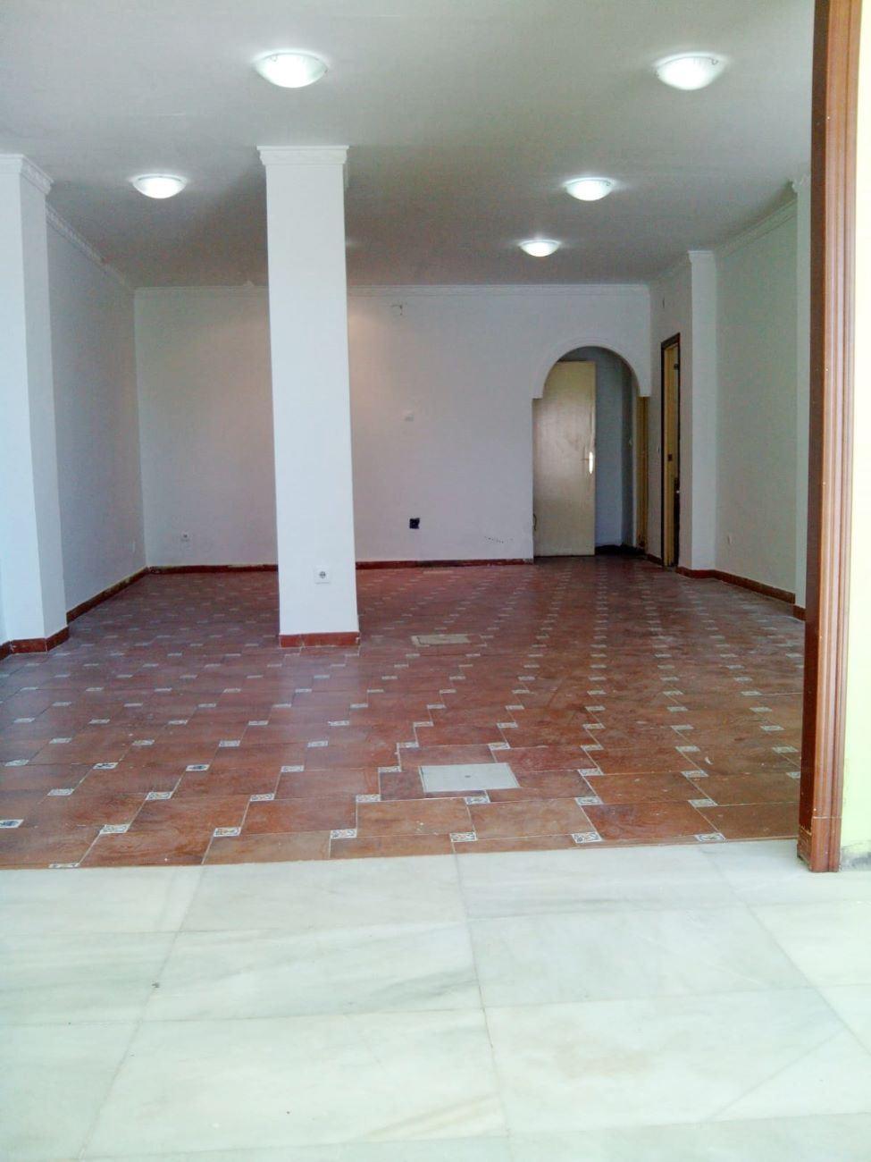 Local en alquiler con 100 m2,  en Centro (Huelva)  - Foto 1