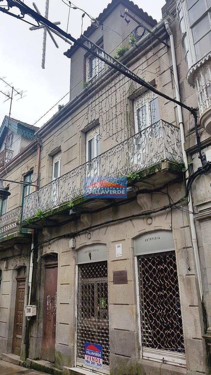 CASA DE PIEDRA SEÑORIAL EN EL CASCO HISTÓRICO