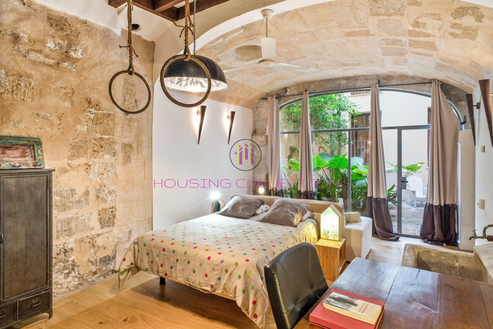 ESPECTACULAR VIVIENDA DÚPLEX CON PATIO EN CASCO ANTIGUO