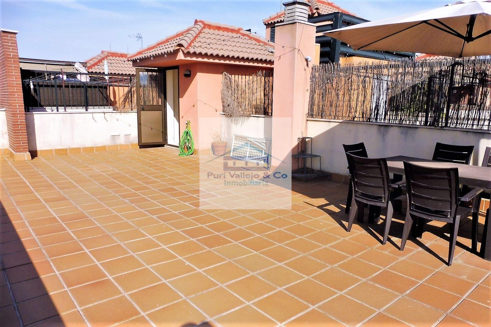 Espléndido Ático con terraza de 50m y primeras calidades.