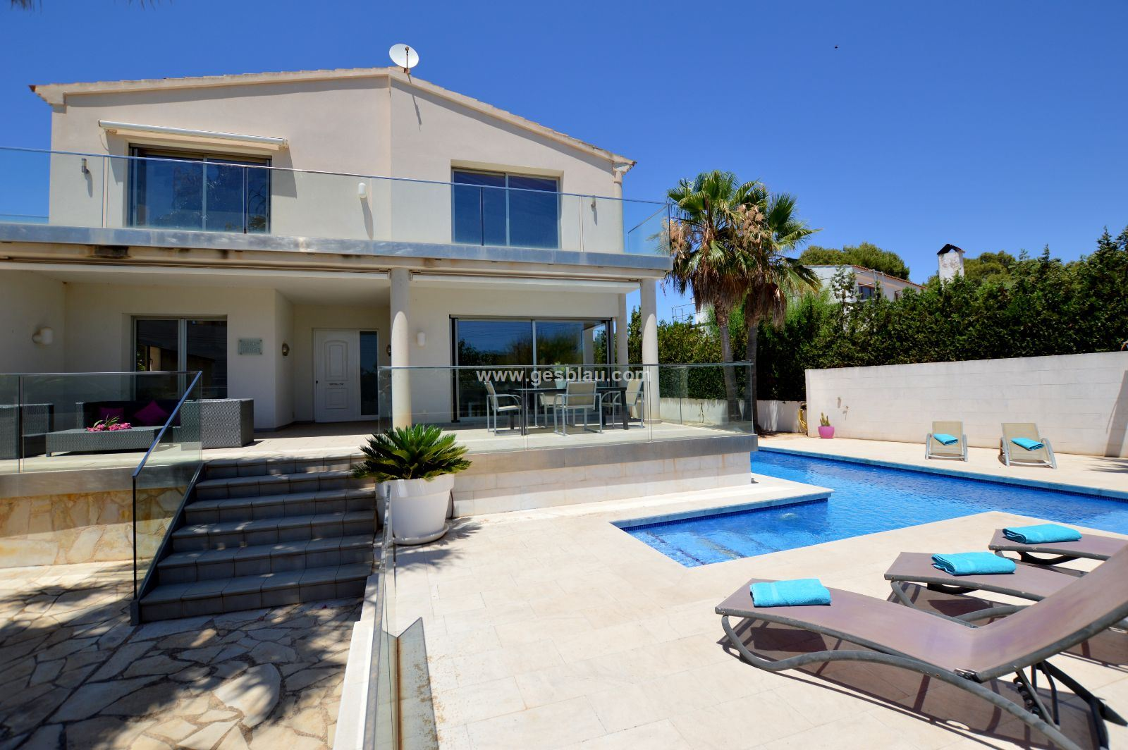 Chalet moderno con piscina en Cala Pi